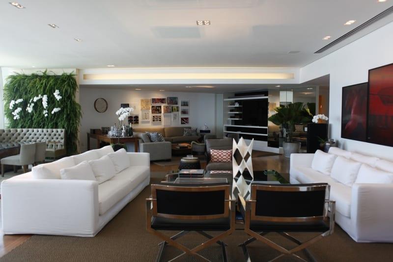 Luxurious 4 Bedrooms REX028