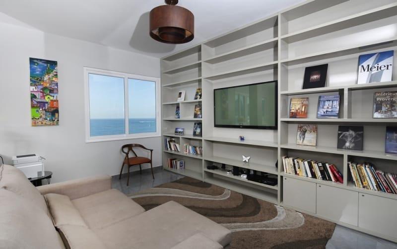 3 Bedroom Beachfront REX032